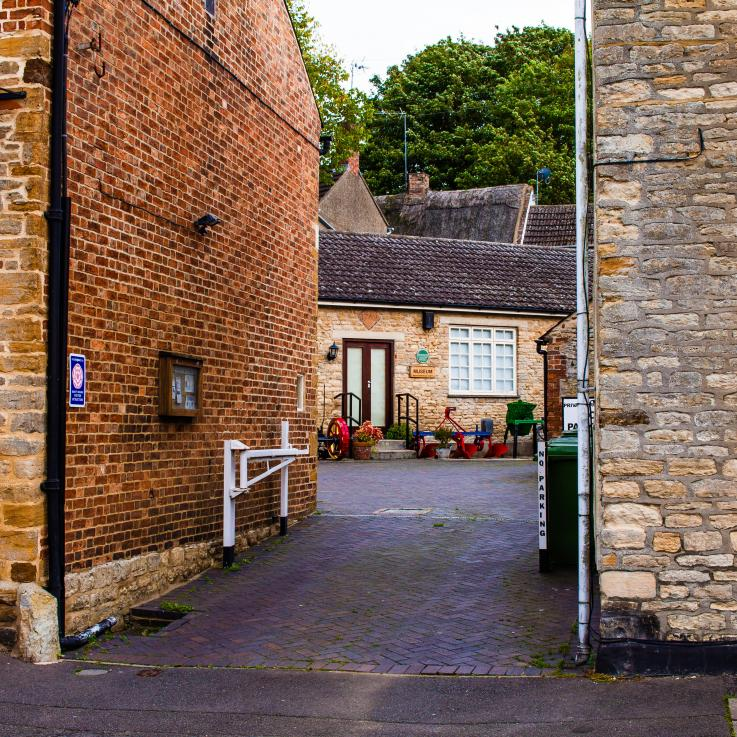 Entrance to Wollaston Museum & Beacon Hill
